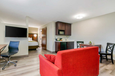 1 KING SUITE with SOFA